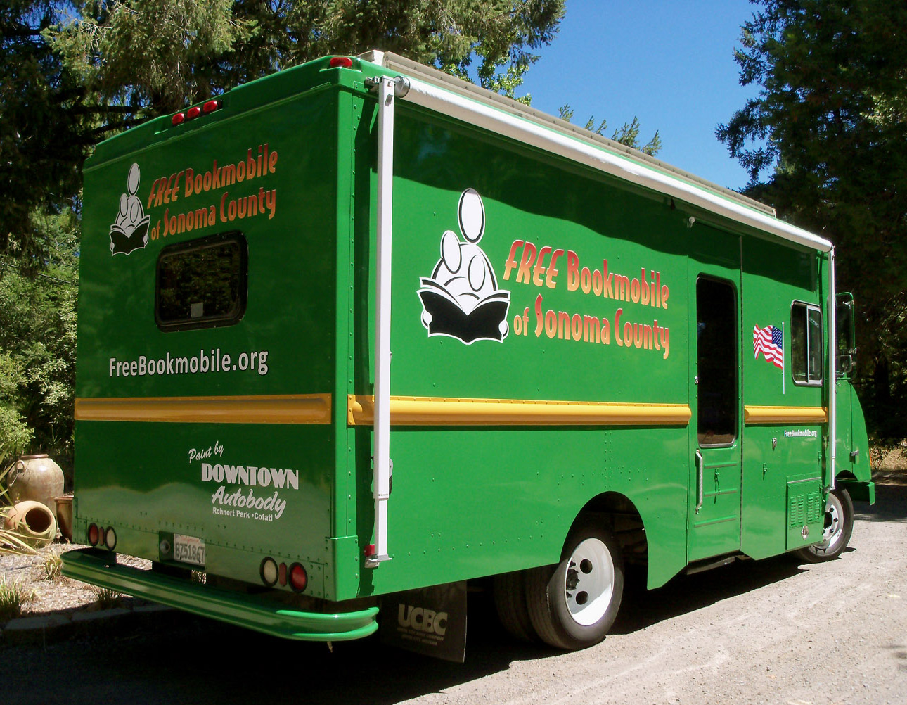 The NEW LOOK Free Bookmobile!